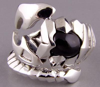 кольцо с знаком скорпион
