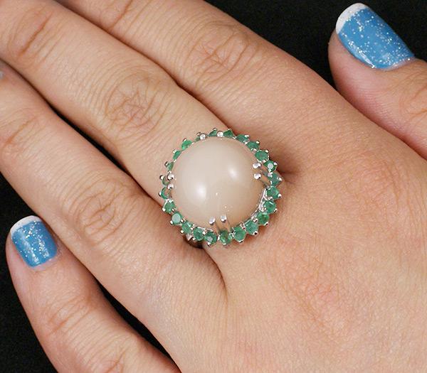 кольцо с камнем и знаком зодиака