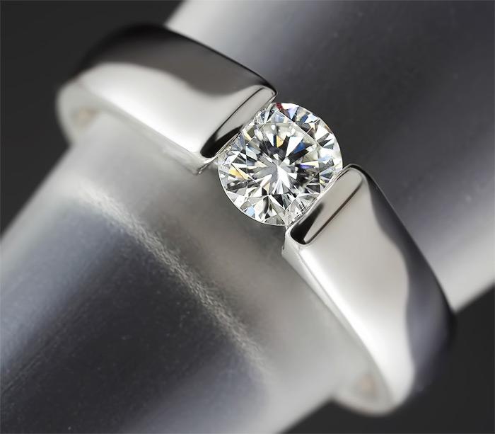 4514b22ab6d7 Платиновое кольцо с бриллиантом 0,42 карат купить в интернет ...