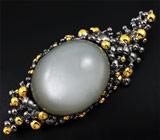 Серебряная брошь/кулон с эксклюзивным кабошоном лунного камня 71,93 карат