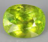 Зеленый сфен 4,21 карат