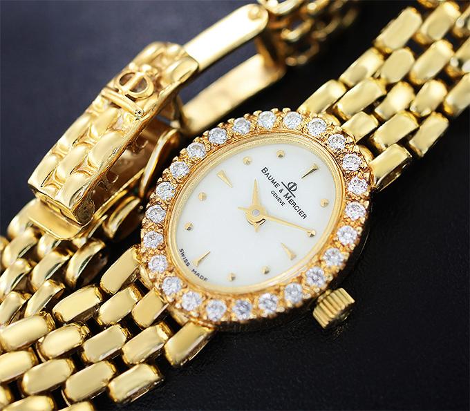 6fc30e06e11b Золотые часы от «Baume   Mercier» с бриллиантами купить в интернет ...