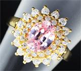 Серебряное кольцо с лабораторным розовым сапфиром