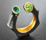 Серебряное кольцо с изумрудом и перидотом